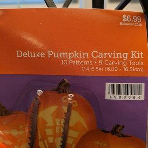 None Holiday - Pumpkin carving kit + patterns